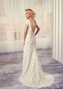 Mára már egyre több neves dizájner kezei közül kerül ki horgolt csipkés menyasszonyi  ruha is. Hiszen mint tudjuk ebe308732d