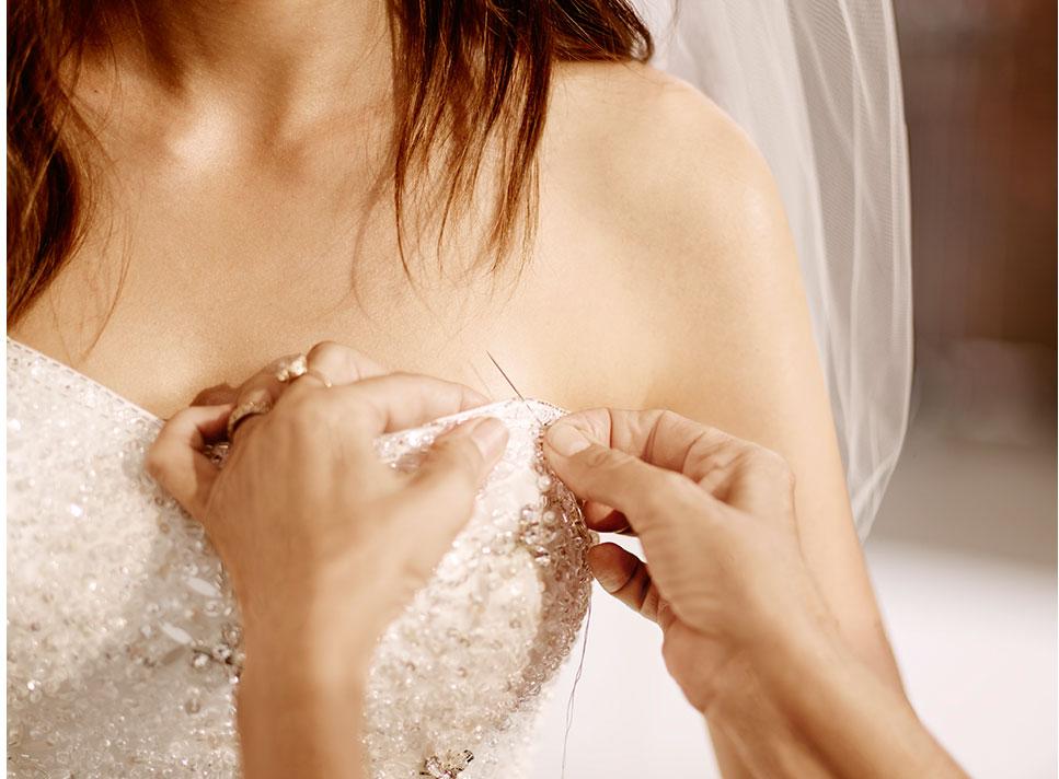 Menyasszonyi ruha átalakítása, igazítása.