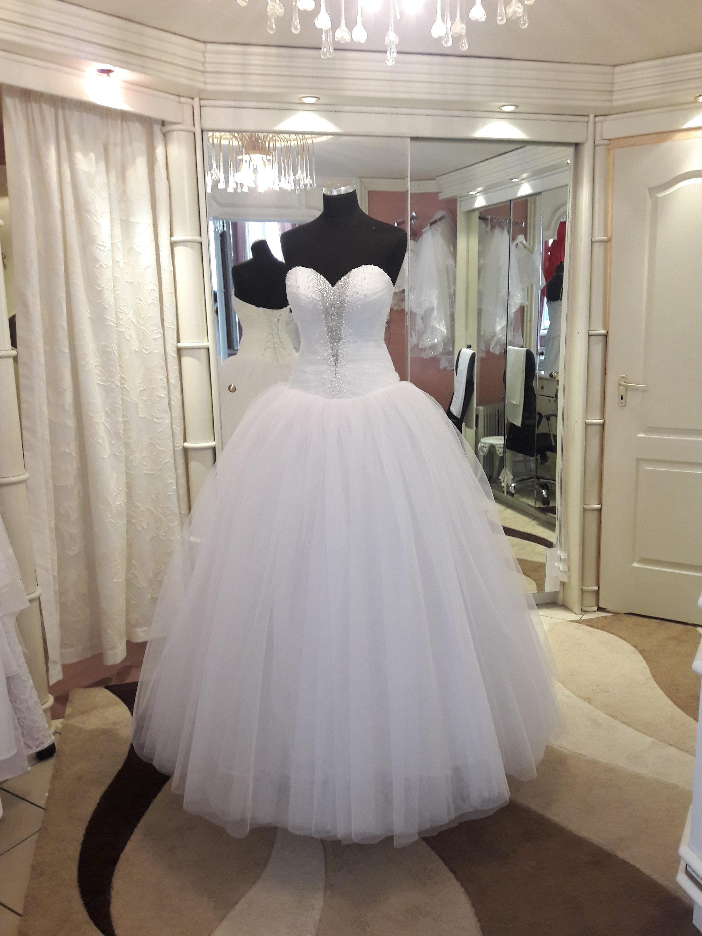 Rövidből hosszú menyasszonyi ruha átalakítás