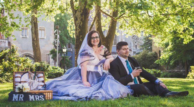 Az ajándékba kapott menyasszonyi ruha története.